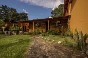 Casa Mirella - San Juan Obispo
