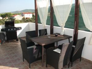 Apartment Razine 11904b - Donje Polje