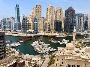 Cozy 55m2 1 BR Dubai Marina & Partial Sea View - Dubai