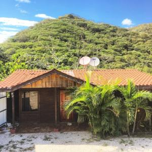 Rustic Cabin with Mountain view. Nicoya