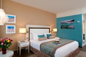 Herods Dead Sea – A Premium Collection by Fattal Hotels, Szállodák  Neve Zohar - big - 2