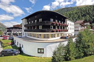 Berghotel-Gasthof Gstrein - Hotel - Vent