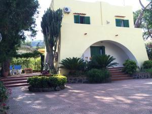 Villa immersa nel verde - AbcAlberghi.com