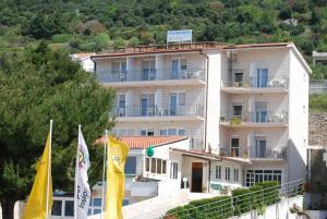 Guesthouse Komfor Moča, 21300 Makarska