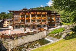 Hotel St. Raphael - AbcAlberghi.com