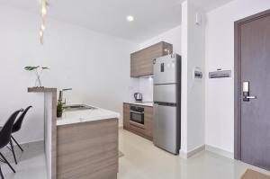 Awesome CBD Luxury Apartment The Tresor Rooftop Garden !