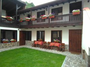 Villa Atika, Елешница