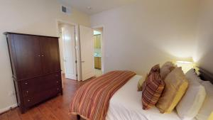 3 Bedroom Townhouse in La Quinta, CA (#LV307), Villák  La Quinta - big - 24