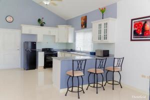 Caymanas Estate Neighbor, Penzióny  Caymanas - big - 18
