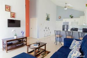 Caymanas Estate Neighbor, Penzióny  Caymanas - big - 10
