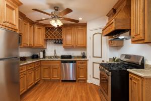Cottage By the Pier - Sand Dollar - Galveston