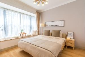 Zhuhai Xiangzhou District·Lovers Road Locals Apartment 00153010