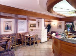 Hotel Villa Mozart, Hotels  Pozza di Fassa - big - 37