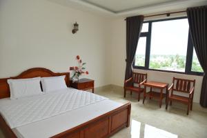 Riverside Cai Be Hotel