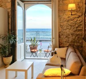 Calarossa Beachfront - AbcAlberghi.com
