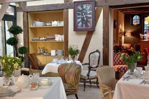 Location gîte, chambres d'hotes Hôtel St Pierre dans le département Maine et Loire 49