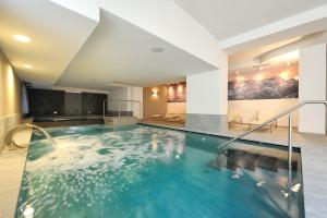 Hotel Crozzon - AbcAlberghi.com
