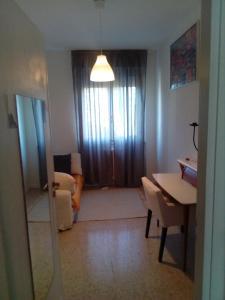 Stanza in Appartamento Condiviso Arredato (WOMEN O - AbcAlberghi.com
