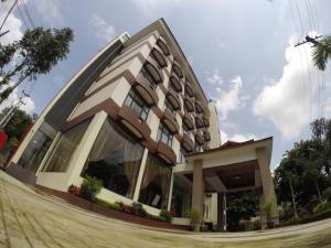 Virati Hotel