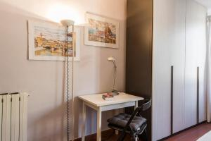 Apartments Florence - Duomo, Apartments  Florence - big - 51