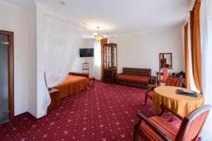 El Hotel - Bryzgalovo
