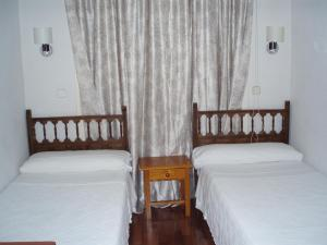 Hostal Castilla, Guest houses - Madrid