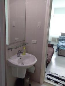 Azure Urban Resort Tinoyshome, Apartmanok  Manila - big - 89