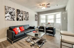 obrázek - ★Spacious Modern Duplex★Close to AT&T, Ballpark, Six Flags