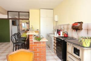Apartments by the sea Marusici (Omis) - 1024, Pensionen  Mimice - big - 8