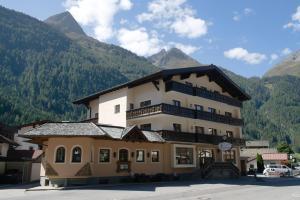Apart Felsenhof - Hotel - Längenfeld