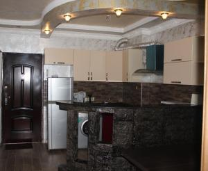 Apartments on Kobaladze Street 8A, Apartmanok  Batumi - big - 90
