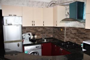 Apartments on Kobaladze Street 8A, Apartmány  Batumi - big - 54