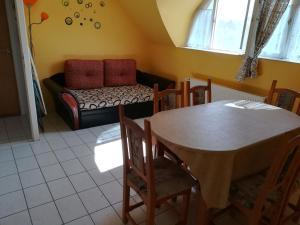 Tarr Apartmanok, Penzióny  Keszthely - big - 63