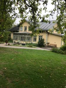 Perssons Magasin, Отели типа «постель и завтрак» - Västra Löa