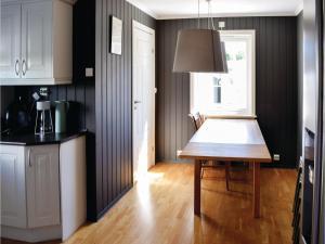 Four-Bedroom Holiday Home in Sogne, Nyaralók  Søgne - big - 12