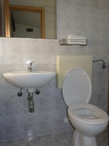 Apartments & Bungalows Ivanović, Affittacamere  Kaštela (Castelli) - big - 6