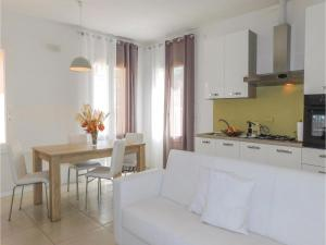 Two-Bedroom Apartment in Rimini -RN- - AbcAlberghi.com