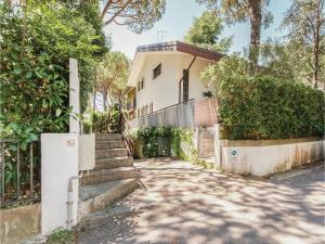 Four-Bedroom Holiday Home in Lignano Sabbiardoro U - AbcAlberghi.com