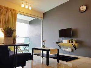 Bukit Jalil 9 Pax Cozy Apartment Kiara Residence 2 KL - Kampong Bohol