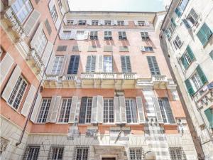 Three-Bedroom Apartment in Genova (GE) - AbcAlberghi.com