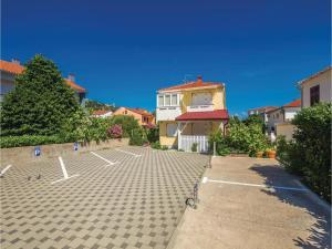 One-Bedroom Apartment in Baska