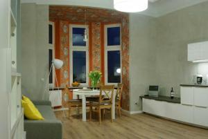 obrázek - Orange Apartment