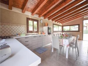 Villa Rosaria, Ferienhäuser  Campofelice di Roccella - big - 23