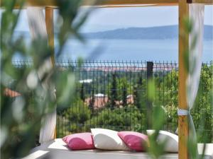 Four-Bedroom Holiday Home in Kastel Novi, Dovolenkové domy  Kastel Novi - big - 38