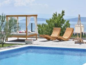 Four-Bedroom Holiday Home in Kastel Novi, Dovolenkové domy  Kastel Novi - big - 43