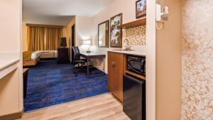 Best Western Plus Portland Airport Hotel & Suites, Hotels  Parkrose - big - 109