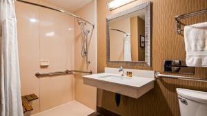 Best Western Plus Portland Airport Hotel & Suites, Hotels  Parkrose - big - 110