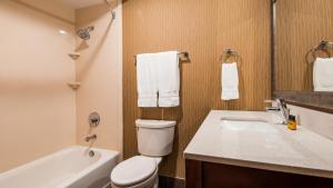Best Western Plus Portland Airport Hotel & Suites, Hotels  Parkrose - big - 111
