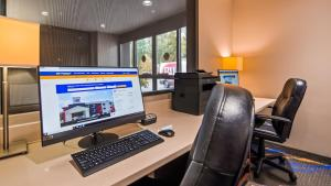 Best Western Plus Portland Airport Hotel & Suites, Hotels  Parkrose - big - 114