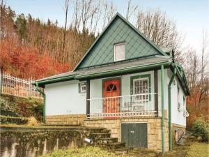 Two-Bedroom Holiday Home in Raztocno - Kľačno